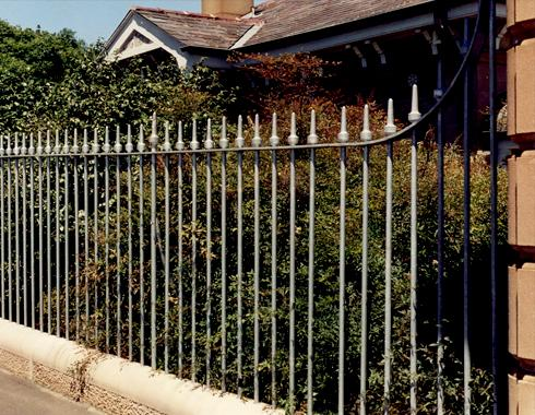 Centennial Park Palisade fencing - Gates and Fences - Wrought Artworks - Iron work Australia